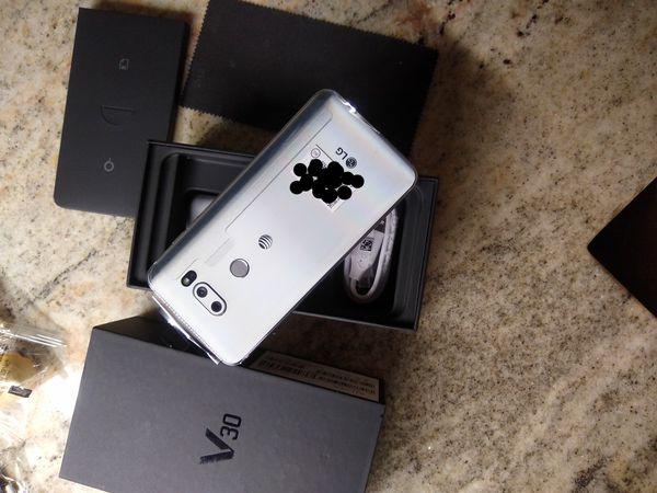 LG V30 Unlocked 64GB