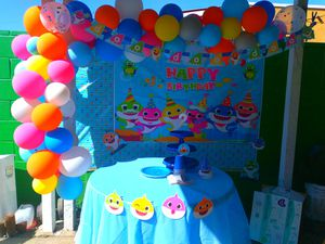 Baby shark balloon garland for Sale in Lynwood, CA