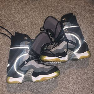 Snowboard Boots Size 10 (great Condition) for Sale in Everett, WA