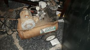 Sears twin cylinder 12gallon tank for Sale in Long Beach, CA