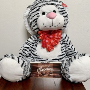 Valentines Day Giant Plush Stuffed Tiger w/ Candy for Sale in Irvine, CA
