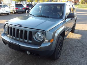 2013 jeep patriot ,102 k miles for Sale in Salem, OR