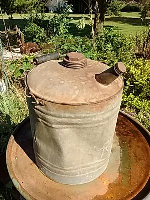 5 gal kerosene, fuel can, some dents, used cond., Old for Sale in MD, US