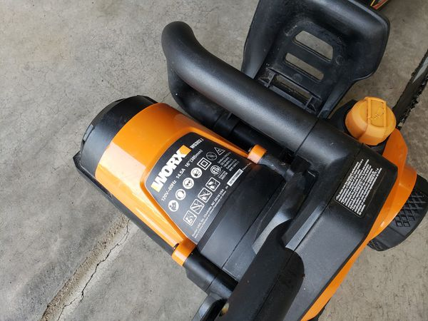 Worx electric chainsaw and bar oil