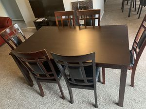 Dining Room Table w/ 6 chairs for Sale in Philadelphia, PA