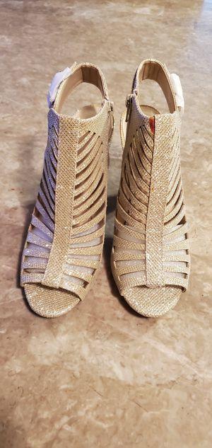 Gold heels for Sale in Phoenix, AZ