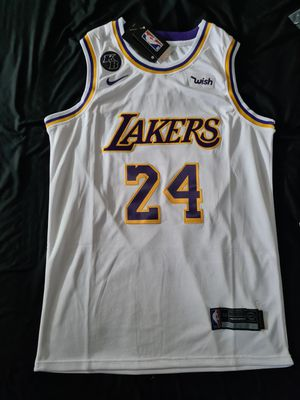 KOBE BRYANT LOS ANGELES LAKERS JERSEY GREAT COLOR AND DESIGN for Sale in Fontana, CA