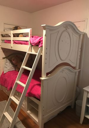 Twin bunk beds. Asking $250 pickup only. Very heavy for Sale in Bakersfield, CA