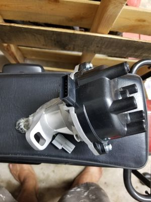 Nissan vg33 engine distributor brand new for Sale in LaBelle, FL