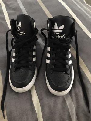 Adidas sneakers size 8 for Sale in Miami, FL