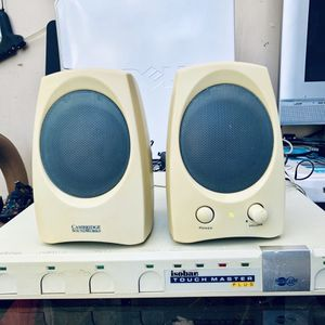 COMPUTER - LAPTOP SPEAKERS CREATIVE GCS300- CAMBRIDGE SOUNDWORKS - IN GOOD CONDITION for Sale in Garden Grove, CA