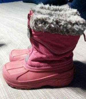 Toddlers Girl's Snow Boots Size 10 for Sale in Madera, CA