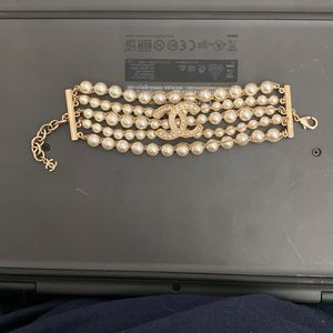 Chanel Pearl Bracelet w/ Velvet Bag for Sale in Los Angeles, CA
