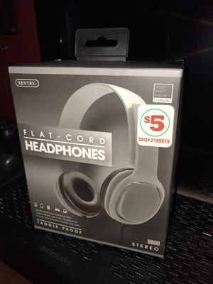 Flat cord headphones brand new for Sale in Nederland, TX