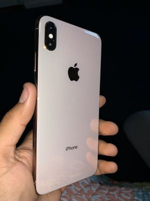 Two Brand new iphone XS Maxes both Unlocked for Sale in Pittsburg, CA