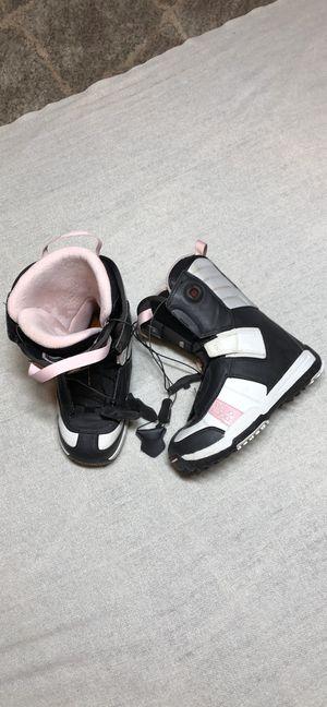 Solomon Ladies Snowboard Boots Sz 7 for Sale in Vancouver, WA
