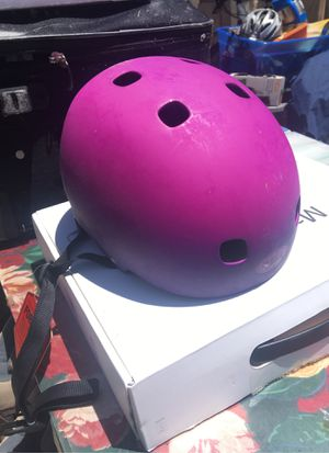 Kids bike helmet for Sale in Pflugerville, TX