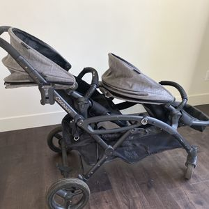 Double Stroller For Two Kids for Sale in Chatsworth, CA