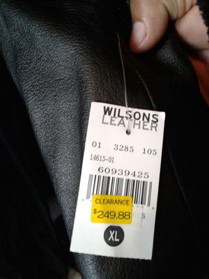 Gabardina wilson leather xl for Sale in College Park, MD