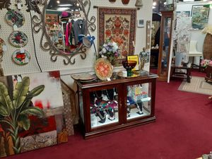 CURIO CABINET, WOOD & GLASS LIT for Sale in Grand Prairie, TX