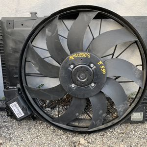 Mercedes W212 E class Cooling Fan 2010 - 2016 for Sale in Fort Lauderdale, FL