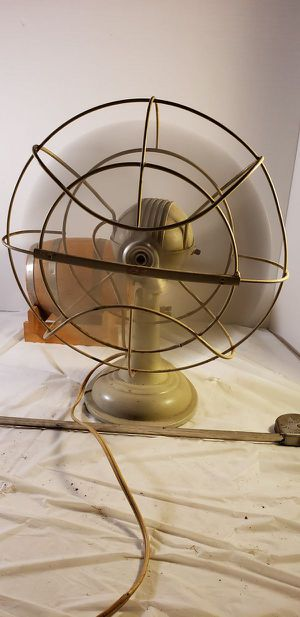 Antique Metal Fan- Working condition for Sale in Lorain, OH
