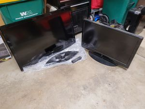 """2 TVs 40"""" 1080p Westinghouse and 32"""" 720p Westinghouse for Sale in Arlington Heights, IL"""