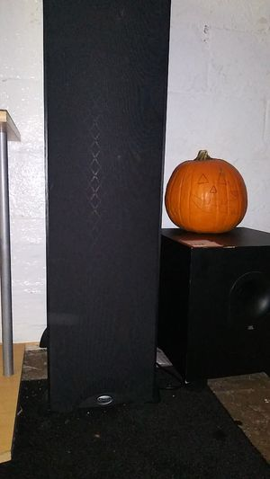 Klipsch tower speakers for Sale in Vallejo, CA