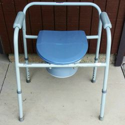 Portable Commode for Sale in Sacramento,  CA