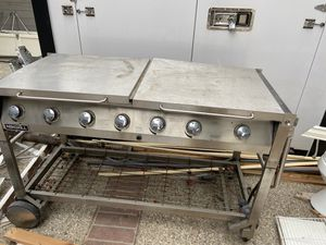 Large bbq grill for Sale in Tustin, CA