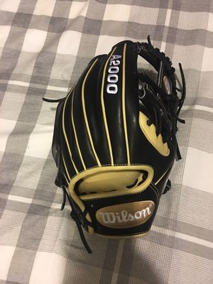 Wilson a2000 new with tags $210 11.5 baseball glove for Sale in Chino, CA