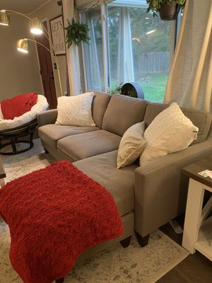 Gray sectional sofa with right or left side chaise in excellent condition for Sale in Kent, WA