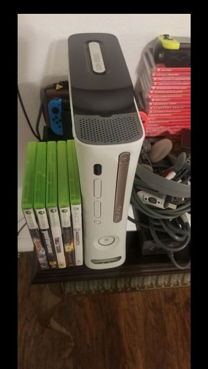 Xbox 360 just like brand new for Sale in Victorville, CA