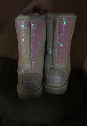 White Sparkle Uggs for Sale in Pittsburgh, PA