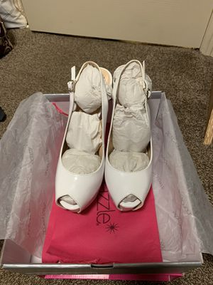 Women's White Heels 8 1/2 for Sale in San Diego, CA