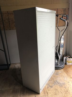 Commercial Storage cabinet for Sale in Lake Wales, FL