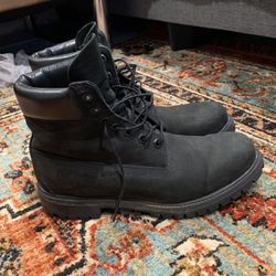 Mens Black 6 Inch Timberland Boots Size 9.5 for Sale in Murrieta,  CA