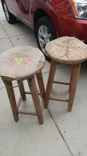 Bamboo beach themed bar stools. TV and table stand tray. Clay vase for Sale in San Antonio, TX