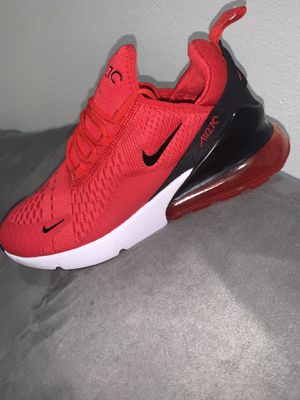 Nike air 270 men size 8.5 for Sale in Lynwood, CA