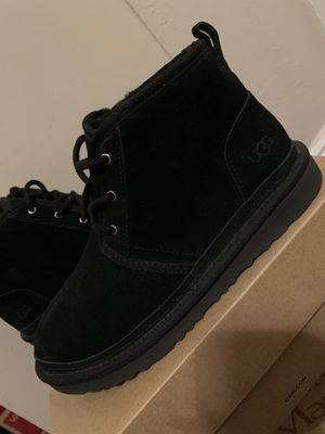Black uggs for Sale in Long Beach, CA