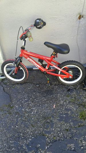"""Hotwheels """"Cars"""" boys bike for Sale in Fort Thomas, KY"""