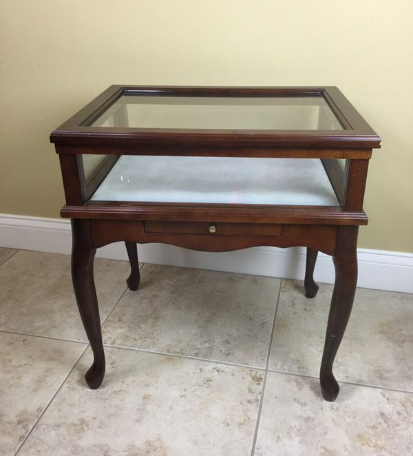 The Bombay Company Glass Display Table Curio Cabinet Queen