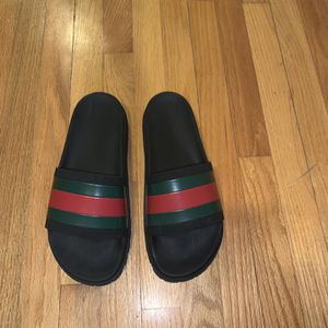 Gucci Slides. for Sale in Shelton, CT