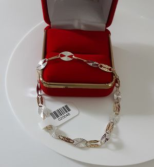 Bella pulsera para mujer oro 14k for Sale in Woodbridge, VA