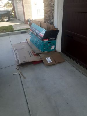 Free cardboard for Sale in Colton, CA