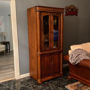 2 Wall Unit Pieces for Sale in West Palm Beach, FL
