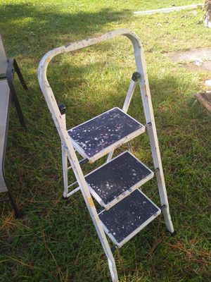 Metal foldable step stool for Sale in Palm Shores, FL