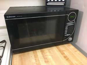 Emerson Microwave for Sale in Anaheim, CA