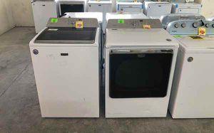 Maytag washer dryer set YK2 for Sale in Vinton, TX