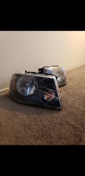 04 to 08 Ford f150 Harley-Davidson edition headlights for Sale in Santa Ana, CA